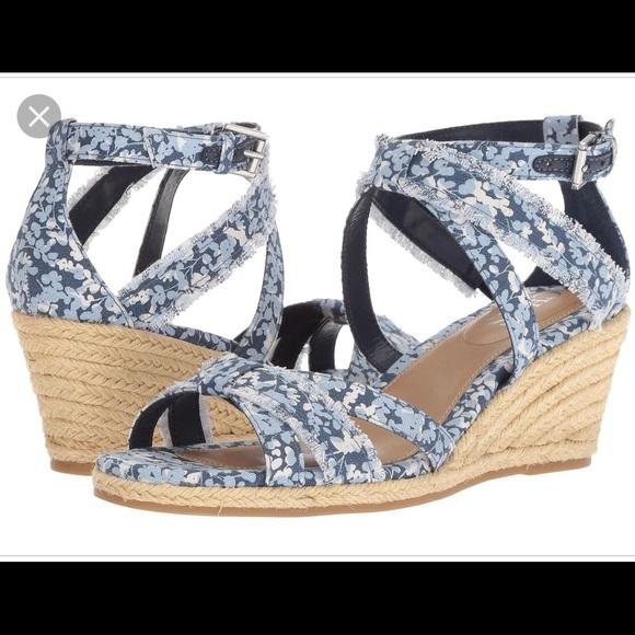 d3e5407dd28 NWOB Chaps Sadria blue canvas wedge sandal
